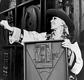 Louise Nevelson Profile